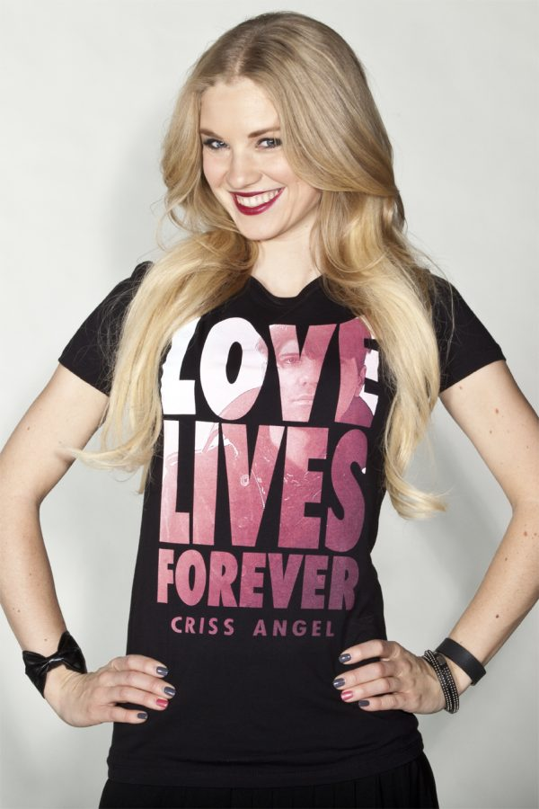 TEE WMNS CA LOVE LIVES FOREVER PHOTO-0
