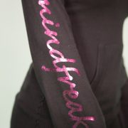 01-21-1203-3364-3367_KNIT-V HOODED SWEATER WMN MF LOGO PINK FOIL_2_5Q0A2553